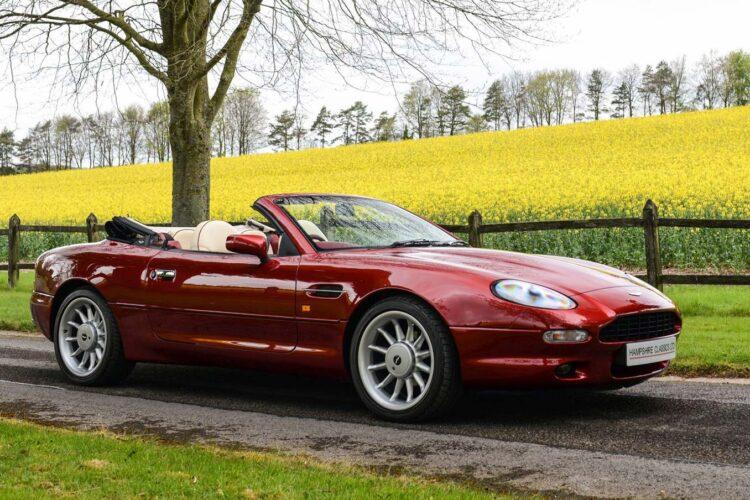 Aston-Martin-DB7
